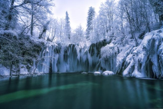 national-park-plitvice-lakes-winter-adria-yachting.jpg