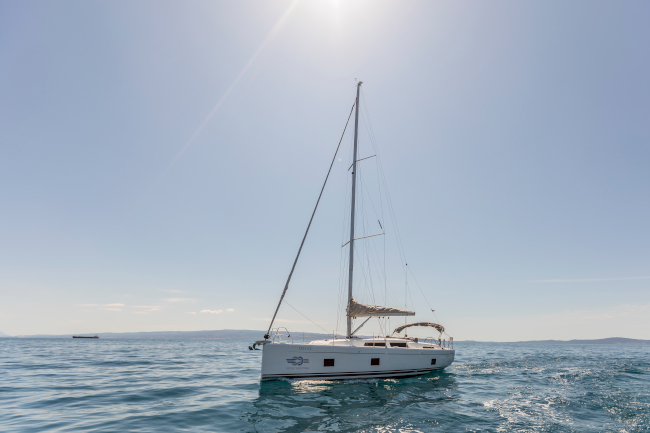 team-buidling–on-the-adriatic-sea-sailing-yacht-adria-yachting-blog.jpg